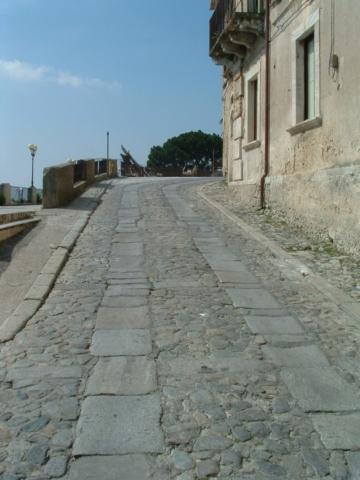 Da Piazza del Tocco al Borghetto