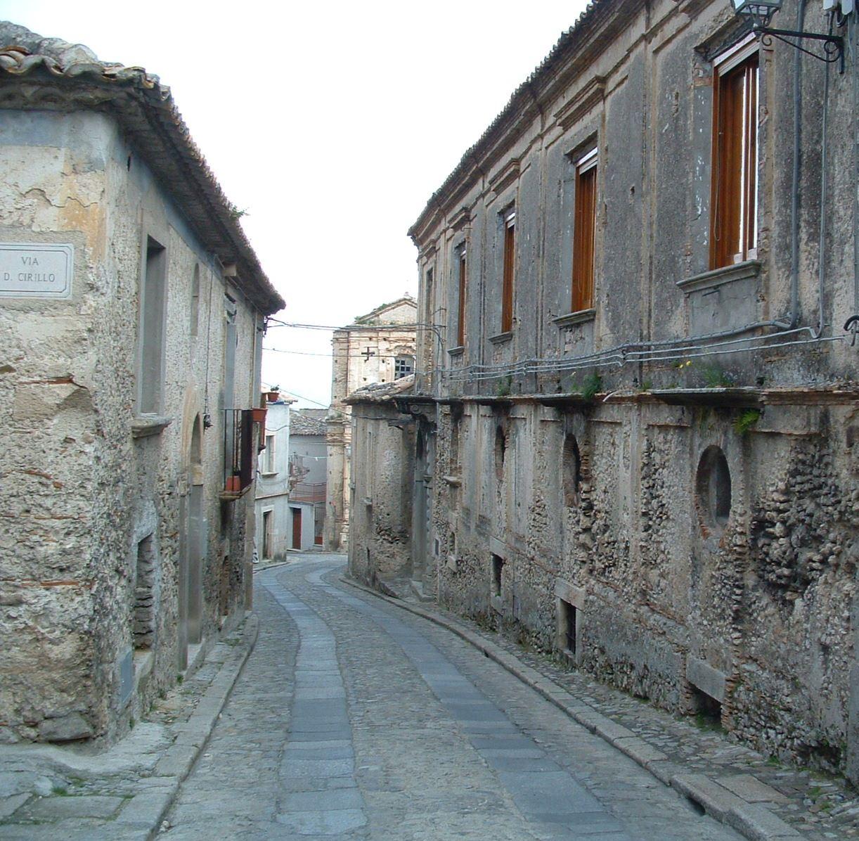 Via Roma Gerace